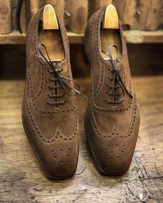 Foster & Son @foster_and_son @fostersonbespoke @emiko.matsuda Picture courtesy of @blueloafers #bespokemakers #fosterandson #bespokeshoes