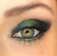 Gorgeous green eyeshadow!