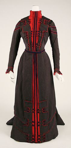 "Walking Dress: 1899-1900, French, wool.    Marking: [label] ""Au Bon Marche, Paris"""