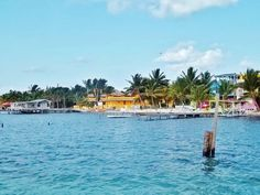 BELIZE. So beautiful, I REALLY want to go to Belize one day in my life time, with my friend Anna Galvez