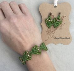 Spring is coming! Welcome it with this cheerful green leaf bracelet. Hand made using Macrame technique.