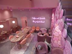 El&N'S new love hearts-themed branch is located at hans crescent, knightsbridge (right next to harrods). further branches can be found at park lane (which Beauty Room Decor, Beauty Salon Decor, Beauty Salon Interior, Salon Interior Design, Schönheitssalon Design, Cake Shop Design, Cafe Design, Design Color, Design Ideas