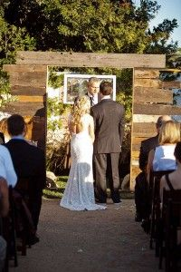 13 wedding decoration ideas using the pallets 6