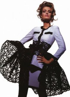 """Called """"The Blonde With Class"""" by Vogue editors Karen Mulder is my favourite model of all times. Karen is Dutch and was born in Her career was soaring during the in th… Glamour Magazine, Vogue Magazine, 90s Fashion, Fashion Photo, Style Année 90, Rebecca Romijn, 90s Models, Helena Christensen, Steven Meisel"""