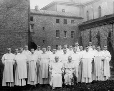 Życie braci w klasztorze poznańskim // Magistrzy z nowicjuszami, 1950.