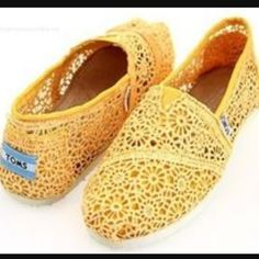 Yellow Lace TOMS Only worn a few times! TOMS Shoes
