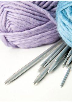 Lune hjertevotter til barn Baby Barn, Baby Knitting Patterns, Knitting Projects, Crafts For Kids, Mini, Blog, Border Tiles, Stapler, Threading
