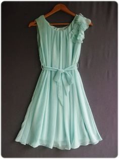 Mint dress! I love!