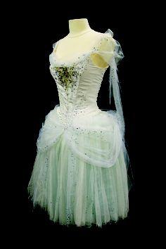 Naila's ballet costume embroidered with Swarovski crystals Jazz Costumes, Tutu Costumes, Ballet Costumes, Fairy Costumes, Costume Ideas, Tutu Ballet, Ballerina Tutu, Ballet Dancers, Christian Lacroix