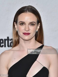 Danielle Panabaker at Entertainment Weekly's annual ComicCon party in celebration of ComicCon 2017 at Float at Hard Rock Hotel San Diego on July The Flash Caitlin, Danielle Parker, Beautiful People, Beautiful Women, Killer Frost, Danielle Panabaker, Just Girl Things, Celebs, Celebrities