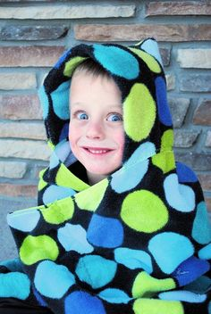 Crazy Little Projects - Learn to Sew Series Project Hooded Towel Easy Sewing Projects, Sewing Hacks, Sewing Tutorials, Sewing Crafts, Sewing Patterns, Sewing Tips, Fabric Crafts, Sewing For Kids, Baby Sewing