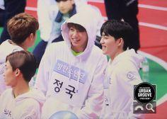 Jungkook, Mingyu and S,coups Seventeen Memes, Mingyu Seventeen, Isac Kpop, Music Down, Pop Photos, I Love Bts, About Bts, Bts Pictures, Bts Bangtan Boy