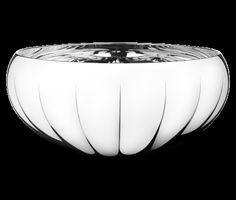 """Georg Jensen- LEGACY Mirror bowl, x-large  3586907_Legacy_Bowl_XL Shape and functionality are the keywords of the Legacy series. In 2009 when Georg Jensen first introduced the Legacy concept. designer Philip Bro Ludvigsen described the series with these words: """"My ambition with the Legacy-series was to create a beautiful decoration for the home in a contemporary design."""