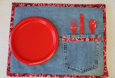 Placemats recycled jeans recycled jeans pocket for Jean Crafts, Denim Crafts, Fabric Crafts, Sewing Crafts, Sewing Projects, Unique Placemats, Denim Decor, Denim Ideas, Creation Couture