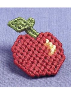 Apple Pin free plastic canvas pattern of the day from freepatterns.com 8/26/13