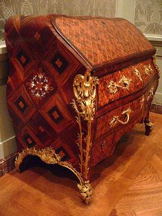 1760-1762 German Writing desk at the J. Paul Getty Museum, Los Angeles