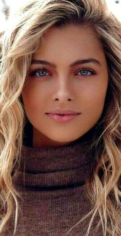 Most Beautiful Eyes, Stunning Eyes, Gorgeous Women, Beautiful Pictures, Beauty Full Girl, Beauty Women, Cool Hairstyles For Girls, Belle Silhouette, Photographie Portrait Inspiration