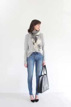 SB - Capsule Closet - Look 10 Gap 1969 resolution true skinny high-rise jeans Light Blue Jeans Outfit, Light Blue Skinny Jeans, Jeans Outfit Winter, Blue Jean Outfits, Winter Fashion Outfits, Look Fashion, Autumn Winter Fashion, Fasion, Winter Style