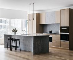Awesome modern kitchen room are available on our site. Take a look and you wont be sorry you did. Painting Kitchen Cabinets, Kitchen Remodel, Kitchen Decor, Contemporary Kitchen, Kitchen Room Design, Kitchen Dining Room, Home Kitchens, Modern Kitchen Design, Kitchen Design