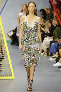 Peter Pilotto Spring 2016 Ready-to-Wear Collection Photos - Vogue