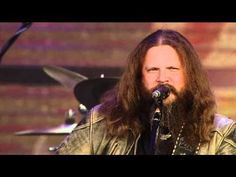 Jamey Johnson - I Saw the Light (Live at Farm Aid 25).  I think Hank done it this way.
