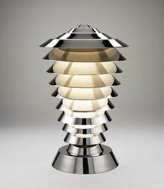 Streamline deco lamp