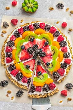 This Healthy Fruit Pizza makes the perfect easy breakfast, brunch or dessert. Best of all, only 30 minutes to make with any combo of fruits & easy oat crust