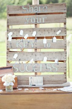 Have guests share their best next-step tips on key tags.   31 Grad Party Ideas You'll Want To Steal Immediately