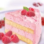 Malinowy tort śmietanowy
