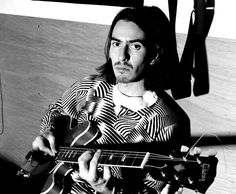 Dhani Harrison - I now know why I find Russell Brand strangely attractive! ☺️