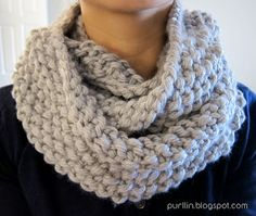 Purllin: December Seed Stitch Infinity Circle Scarf [ free knitting pattern ] YES!! BAM!! Exactly what I was looking for! Hello Christmas presents! (If I can find the time!!!)