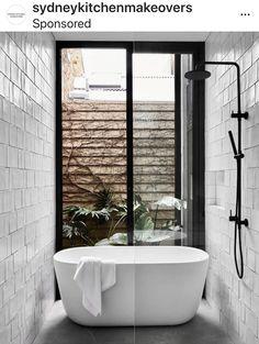 Modern Bathtub, Modern Bathroom Design, Bathroom Interior Design, Bathroom Designs, Bathroom Ideas, Modern Shower, Modern Design, Bathroom Renovations, Shower Bath Combo