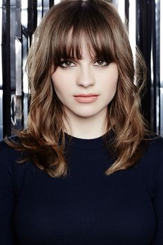 Gabrielle Aplin gorgeous cut & fringe