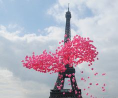 Discovered by I Love Pink. Find images and videos about pink, paris and france on We Heart It - the app to get lost in what you love. Pink Paris, Oh Paris, I Love Paris, Beautiful Paris, Paris City, Paris Style, Simply Beautiful, Beautiful Images, Pink Balloons
