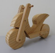 Wooden sports scooter.  http://kreativdisztargyak.blogspot.hu/