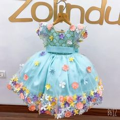 Kids Party Wear Dresses, Dresses Kids Girl, Kids Outfits, Flower Girl Dresses, Birthday Frocks, Baby Girl Birthday Dress, Girls Frock Design, Baby Dress Design, Baby Frocks Designs