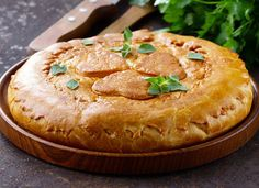 Курник: как готовится русский слоеный пирог