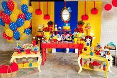 Arco de bexigas é passado; veja como decorar a parede atrás da mesa do bolo - Gravidez e Filhos - UOL Mulher