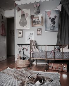 This room has a bit of everything thrown in - vintage furniture, vintage fabrics, vintage frames and more. The result is stunning! Charming , captivating and a magical space for a child.