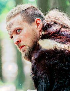 Ragnar - The Last Kingdom Vikings Show, Vikings Tv, Lagertha, Uhtred De Bebbanburg, Tobias Santelmann, The Last Kingdom, Shield Maiden, Viking Warrior, Ragnar