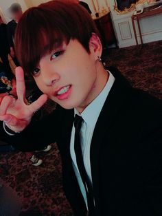 [BTS Weibo] 我们正努力准备下张专辑中! 会给大家展现帅气的模样的 (FAKE TRANS: Hey army I'm alive! Just not on twitter ke.... Anyway its really says like that they're working on the new album and stuufffgbdbdhhs.. aND JEON JEONGGUK WHERE HAVE YOU BEEN WE MISSED YOU!!!! HSHS BC HJSHXBHD) #BTS #방탄소년단