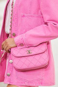 Chanel Fashion, Fashion Wear, Couture Fashion, Fashion Bags, Fashion Show, Chanel Style, Womens Fashion, Pantone, Pastel Outfit