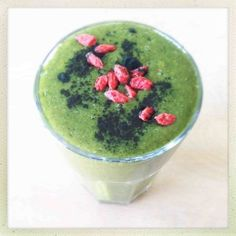 Superfood Detox Smoothie // Best Detoxifying Smoothie Recipes PERXFOOD.COM