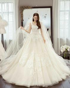 Wedding Girl, Wedding Dresses For Girls, Princess Wedding Dresses, Wedding Gowns, Best Gowns, Bridal Gallery, Wedding Shirts, Korean Dress, Swag Dress