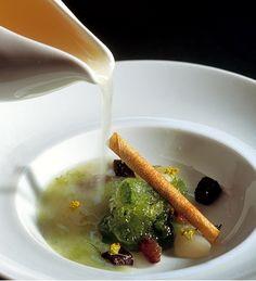 428 |   sopa de lichis con granizado de hinojo (El Bulli, 1997, postre) # 428 |   lychee soup with fennel water ice (El Bulli, 1997, dessert)