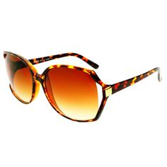 Classy and stylish oversized sunglasses in black or tortoise color frame Sunglasses dimensions: Frame Height: Frame Width: Cheap Sunglasses, Oversized Sunglasses, Tortoise Color, Retro Fashion, Womens Fashion, Sunglass Frames, Shades, Stylish, Retro Style