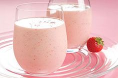 Low-Fat Strawberry-Banana Yogurt Smoothie