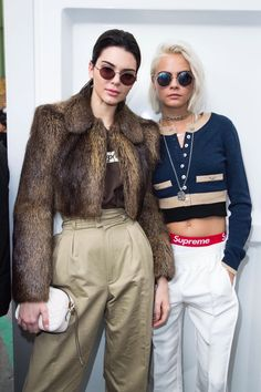 Cara Delevingne and Kendall Jenner. Paris Fashion Week show is already behind us but we are still full of admiration in tonnes of outfits, stylizations. Fashion Week Paris, High Fashion, Chanel Fashion, Fashion 2018, Fall Fashion, Fashion Models, Latest Fashion, Fashion Women, Cara Delevingne