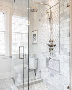 50+ Stunning Bathroom Tile Makeover Ideas
