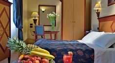 Corona D'Italia Florence Just 200 metres from Santa Maria Novella Station, Corona D'Italia offers stylish rooms with LCD TV in Florence's centre. An extensive breakfast buffet with savoury and sweet food is served.